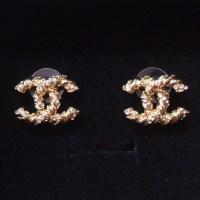 CHANEL - Gold Chanel twisted cable earring studs from ...