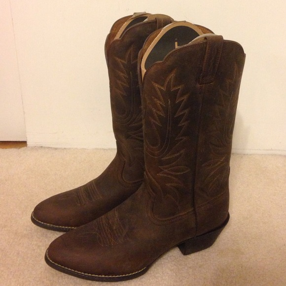 60 Off Ariat Boots Womens Ariat Heritage Western R Toe