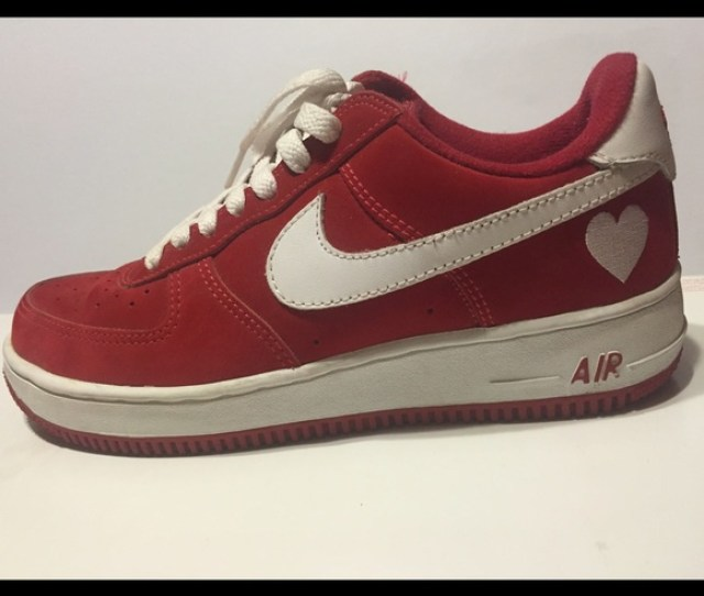 Nike Air Force One Womens Valentines Day Edition