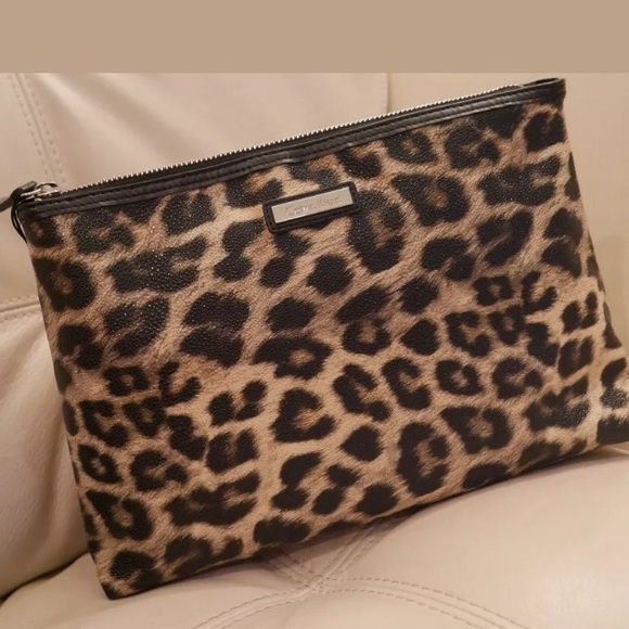 Nwt Large Leopard Print Cosmetic Bag