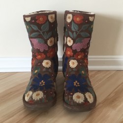 50% Off Ugg Shoes Ugg Wahine Brown Floral Print Boots Size 8 191813ffa