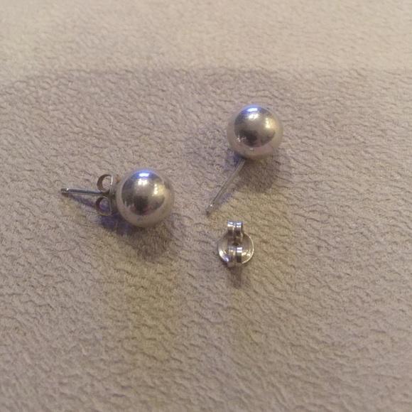 63% off Jewelry