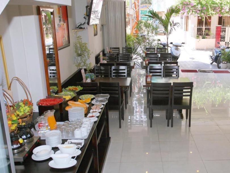 Hình ảnh các khách sạn trong cụm khách sạn 64 Trần Phú Nha Trang
