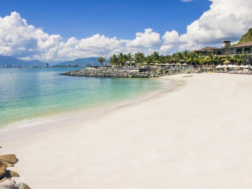 Bạn nên chọn các khách sạn trên đường Phạm Văn Đồng Nha Trang nằm sát biển sẽ đẹp hơn
