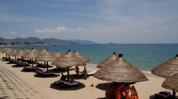 Muốn tìm khách sạn Nha Trang có bãi biển riêng thì hãy tìm các resort