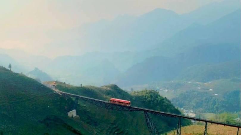 Hình ảnh tàu hỏa leo núi Mường Hoa