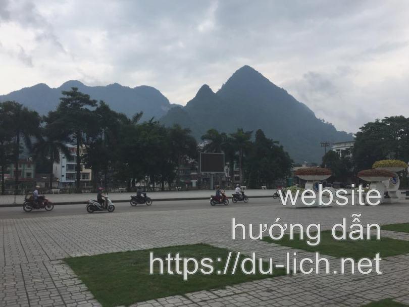 Hình ảnh đường Nguyễn Trãi, Hà Giang - nơi có quán phở Giang nhìn ra