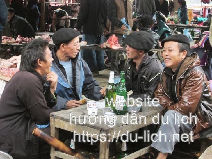 Chợ Sà Phìn Đồng Văn Hà Giang có đẹp không