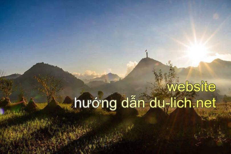 Địa điểm du lịch Đồng Văn - cột cờ Lũng Cú