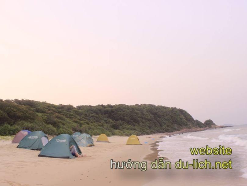 Hình ảnh bãi tắm Vụng Tiên Cô Tô: - nơi có thể dựng lều cắm trại, ngắm cả hoàng hôn lẫn bình minh