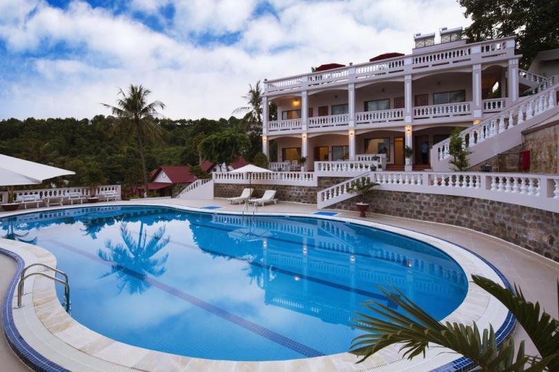Nhận xét về Hong Bin Resort Phú Quốc: khu nhà view ra bể bơi nằm ở trên cao