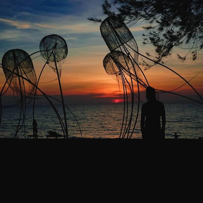 Hình ảnh Sunset Sanato Phú Quốc với những con sứa tạo hình lạ lẫm