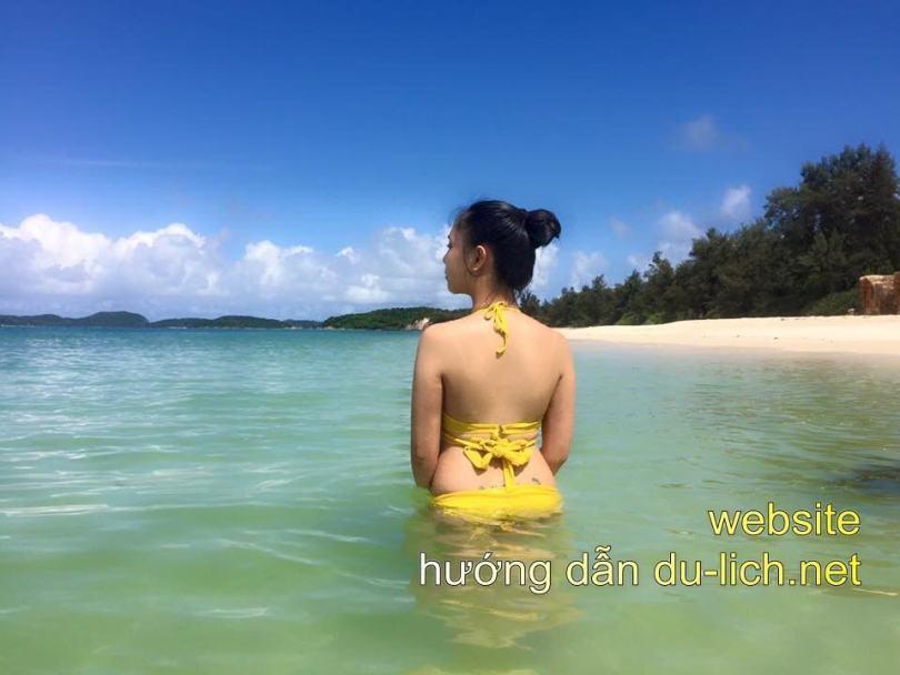 Hình ảnh biển Cô Tô với làn nước xanh như ngọc