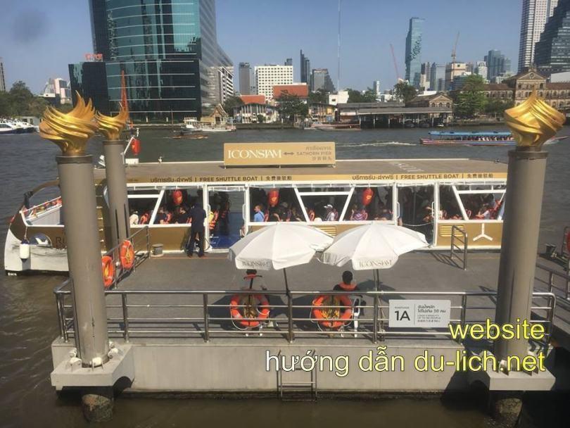 Tàu thủy free đưa khách tới tận chân khu Icon Siam