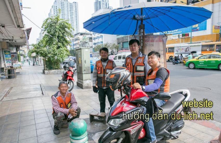 Tại Bangkok cũng có rất nhiều xe ôm như ở Hà Nội