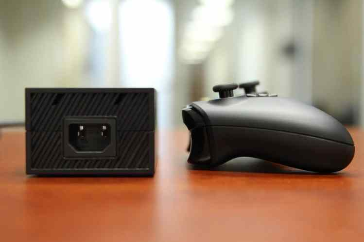Microsoft-Xbox-One-Power-Brick-3-1280x853