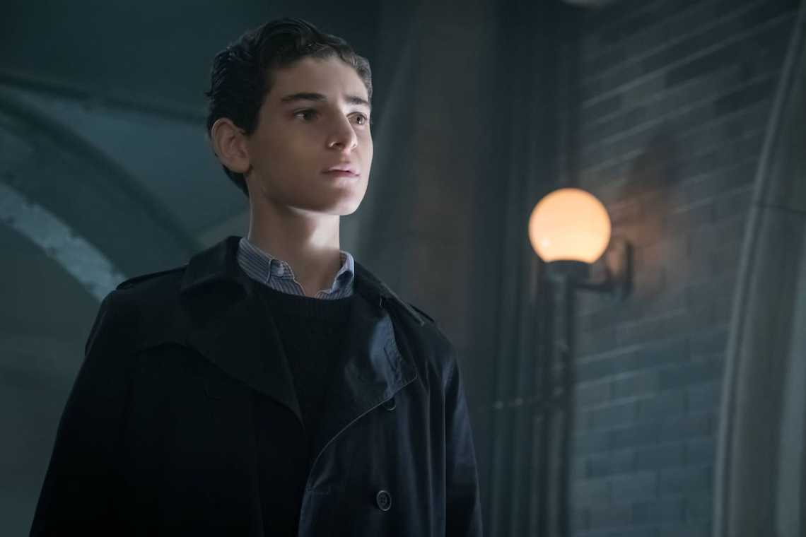 """GOTHAM: David Mazouz in the""""Mad City: Anything For You"""" episode of GOTHAM airing Monday, Oct. 17 (8:00-9:01 PM ET/PT) on FOX. ©2016 Fox Broadcasting Co. Cr: Jeff Neumann/FOX."""