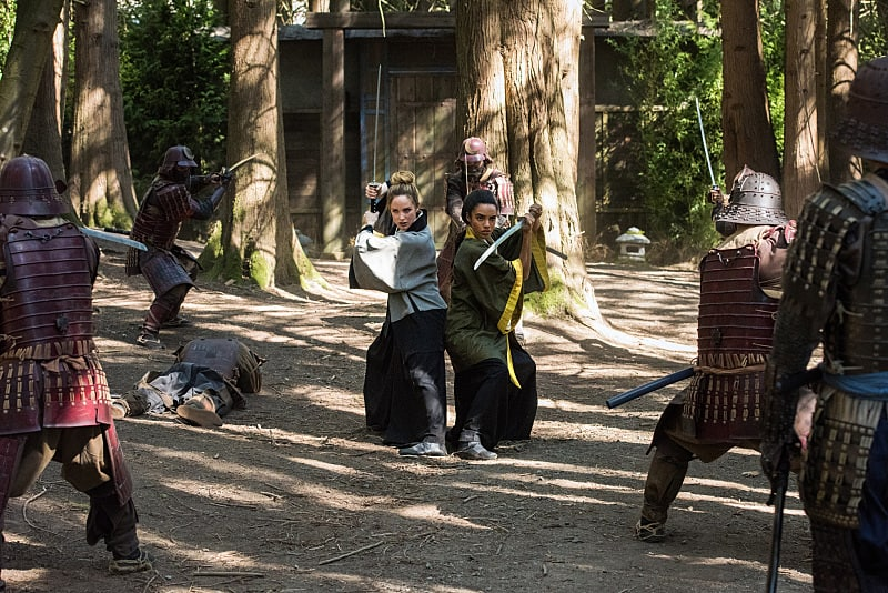 """DC's Legends of Tomorrow --""""Shogun""""-- Image LGN203b_0293.jpg -- Pictured (L-R): Caity Lotz as Sara Lance/White Canary and Maisie Richardson- Sellers as Amaya Jiwe/Vixen -- Photo: Dean Buscher/The CW -- © 2016 The CW Network, LLC. All Rights Reserved."""