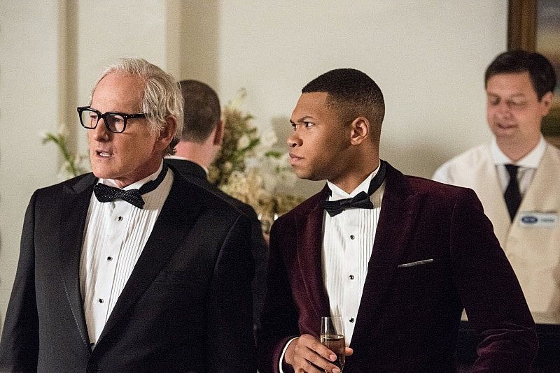 """DC's Legends of Tomorrow --""""Compromised""""-- Image LGN205b_0020.jpg -- Pictured (L-R): Victor Garber as Professor Martin Stein and Franz Drameh as Jefferson """"Jax"""" Jackson -- Photo: Dean Buscher/The CW -- © 2016 The CW Network, LLC. All Rights Reserved."""