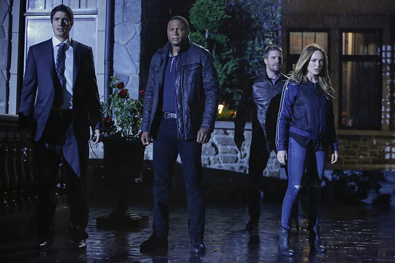 """Arrow -- """"Invasion!"""" -- Image AR508a_0215b.jpg -- Pictured (L-R): Brandon Routh as Ray Palmer, David Ramsey as John Diggle, Stephen Amell as Oliver Queen, and Caity Lotz as Sara Lance -- Photo: Bettina Strauss/The CW -- © 2016 The CW Network, LLC. All Rights Reserved."""