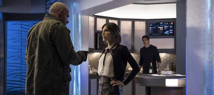 """DC's Legends of Tomorrow --""""The Legion of Doom""""-- LGN210a_0022.jpg -- Pictured (L-R): Dominic Purcell as Mick Rory/Heat Wave, Christina Brucato as Lily Stein and Brandon Routh as Ray Palmer/Atom -- Photo: Katie Yu/The CW -- © 2017 The CW Network, LLC. All Rights Reserved"""