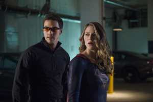 """Supergirl -- """"We Can Be Heroes"""" -- SPG210a_0138.jpg -- Pictured (L-R): Chris Wood as Mike/Mon-El and Melissa Benoist as Kara/Supergirl -- Photo: Diyah Pera/The CW -- © 2017 The CW Network, LLC. All Rights Reserved"""