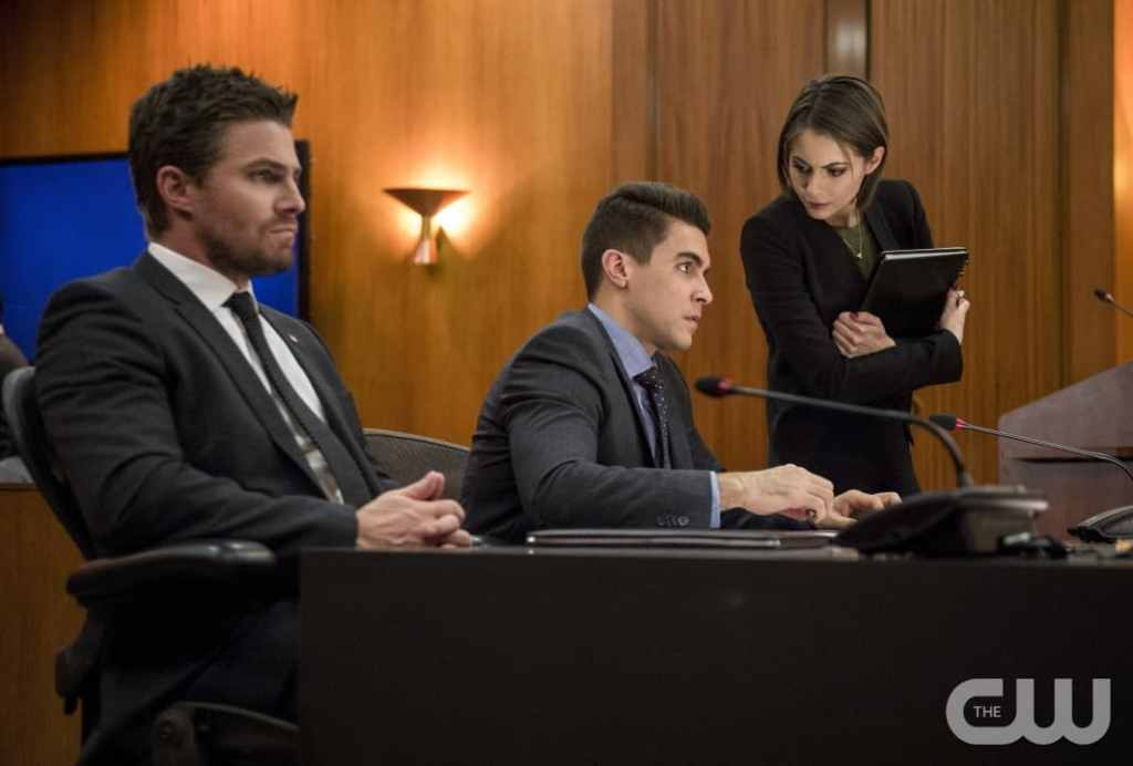 """Arrow -- """"Fighting Fire With Fire"""" -- Image AR515b_0019b.jpg -- Pictured (L-R): Stephen Amell as Oliver Queen, Josh Segarra as Adrian Chase, and Willa Holland as Thea Queen -- Photo: Diyah Pera/The CW -- © 2017 The CW Network, LLC. All Rights Reserved."""