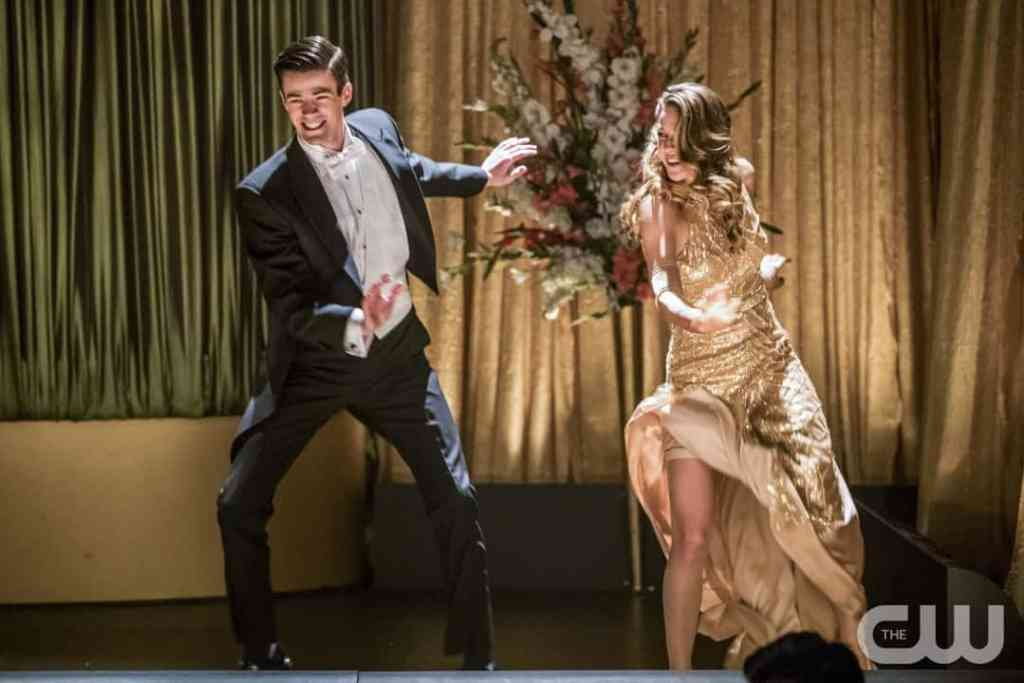 "The Flash -- ""Duet"" -- FLA317b_1080b.jpg -- Pictured (L-R): Grant Gustin as Barry Allen and Melissa Benoist as Kara -- Photo: Jack Rowand/The CW -- © 2017 The CW Network, LLC. All rights reserved."