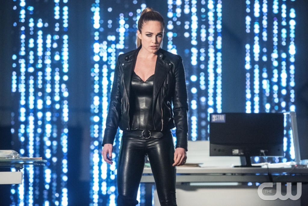 "DC's Legends of Tomorrow --""Doomworld""-- LGN216a_0399.jpg -- Pictured: Caity Lotz as Sara Lance/White Canary -- Photo: Dean Buscher/The CW -- © 2017 The CW Network, LLC. All Rights Reserved"