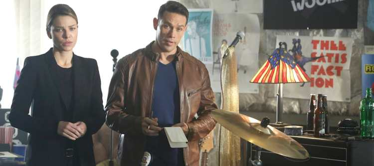 """LUCIFER: L-R: Lauren German and Kevin Alejandro in the """"Candy Morningstar"""" spring premiere episode of LUCIFER airing Monday, May 1 (9:01-10:00 PM ET/PT) on FOX. Cr: FOX"""