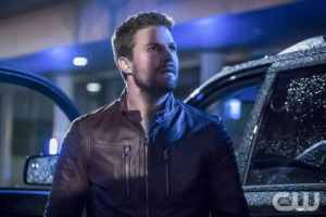 """Arrow -- """"Missing"""" -- Image AR522b_0326b.jpg -- Pictured: Stephen Amell as Oliver Queen/The Green Arrow -- Photo: Katie Yu/The CW -- © 2017 The CW Network, LLC. All Rights Reserved."""