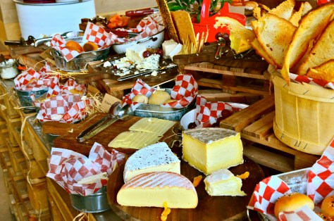 Say cheese Cheese and crackers at Bench Brunch @ The daily, Rove hotel Downtown Dubai
