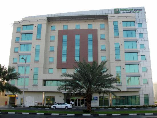 Holiday-Inn-Jumeirah_004