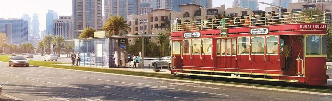 Új villamos Dubai belvárosában