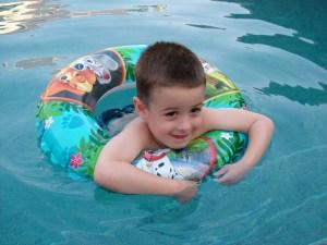 Budai Marci 2011 június, Dubai úszómedence