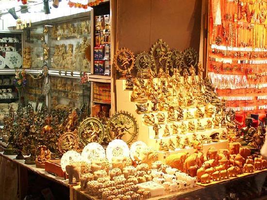 Dubai Cheap Shopping Markets - Dragon Mart - Meena Bazaar