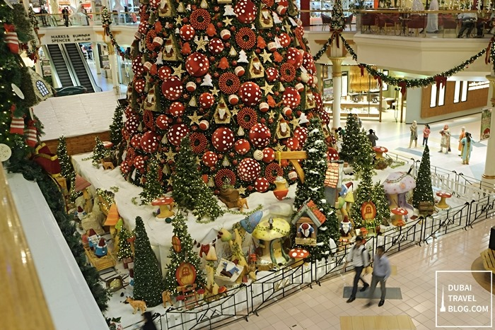 dubai wafi mall christmas tree