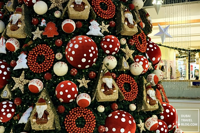 ornaments on the xmas tree in wafi mall