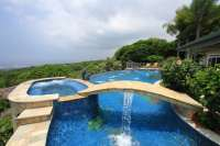 Top 5 Epic Backyard Swimming Pools