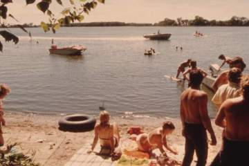 kids at the lakeside 1975