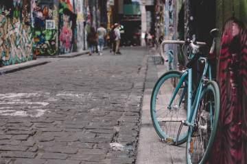 Bike leaning against wall © Linda Xu