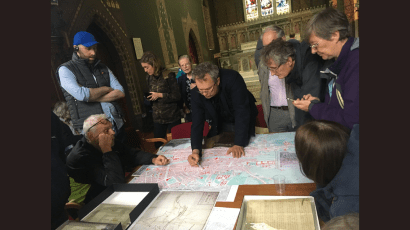 Arran Henderson with guests on a Dublin Decoded Tour