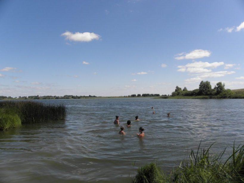 купание в речке