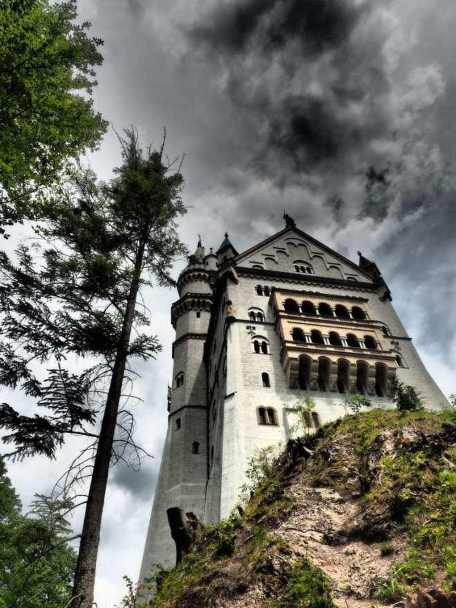 Schloss Neuschwanstein oder das Schloss des Grafen Vlad.