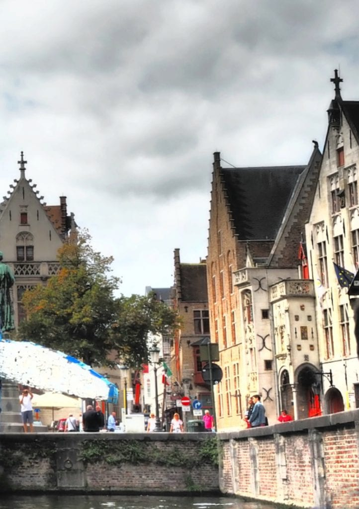 Bruges Whale right