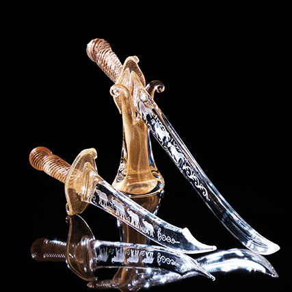 CALIFFO PUGNALE TRASPARENTE & ORO_Califfo Transparent & Gold Dagger L 45 cm  CALIFFO SPADA TRASPARENTE & ORO_Califfo Transparent & Gold Sword  L 70 cm REGGISPADA TRASPARENTE & ORO_ Transparent & Gold Sword-holder  H 24 cm