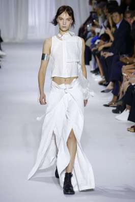 ann-demeulemeester-fashion-week-spring-summer-2017-paris-womenswear-006