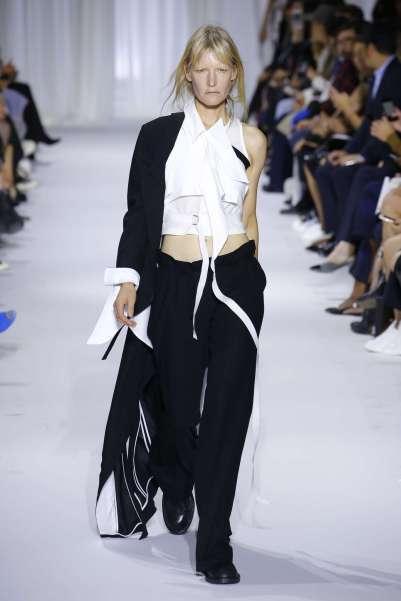 ann-demeulemeester-fashion-week-spring-summer-2017-paris-womenswear-024