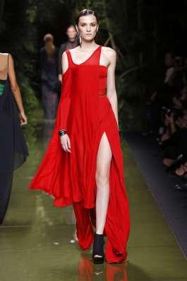 balmain-fashion-week-spring-summer-2017-paris-womenswear-019