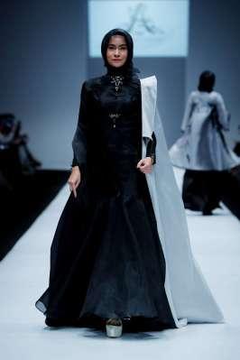 ayu-dyah-andari-spring-summer-2017-jakarta-womenswear-catwalks-004